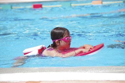 Apprentissage de la natation ville de poissy for Piscine pour apprendre a nager